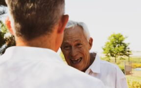 How to manage seasonal allergies safely in the elderly
